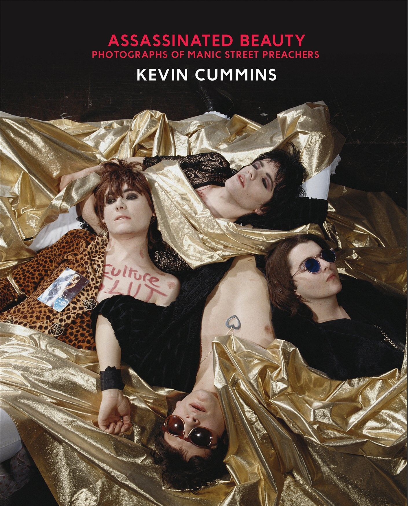 Assassinated beauty - Kevin Cummins [BOOK]