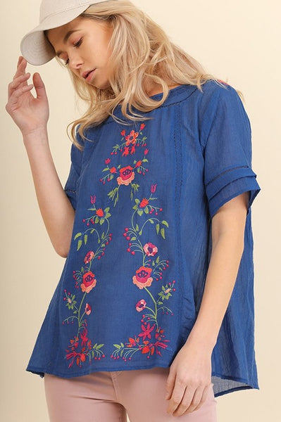 Short Sleeve Top with Floral Embroidery in Blue