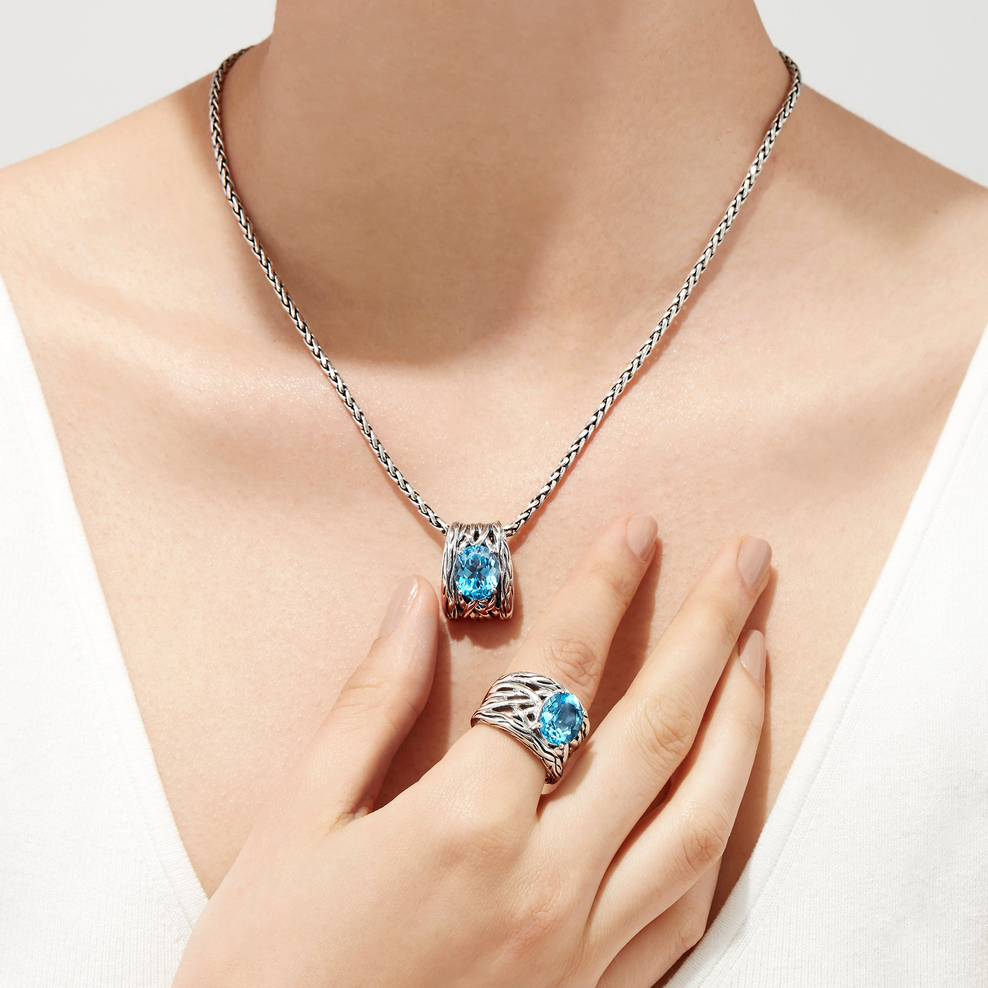 Effy 925 Lagoon Sterling Silver Blue Topaz Pendant, 5.70 TCW