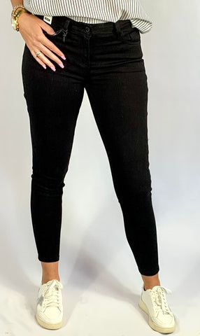 THE NORA NON DISTRESSED SKINNY