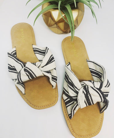 BEACHFRONT SANDAL
