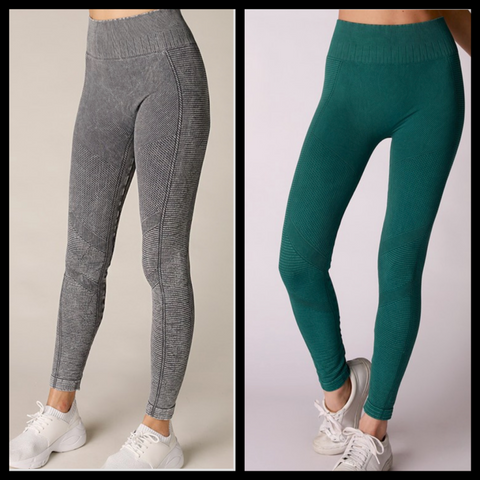 SEAMLESS MOTO LEGGINGS/ AVAILABLE IN 2 COLORS
