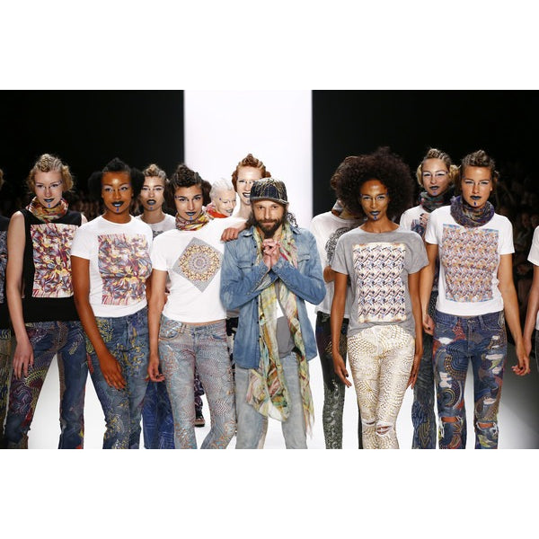 Mercedes-Benz Fashion Week Berlin: Jeans For Refugees SS16