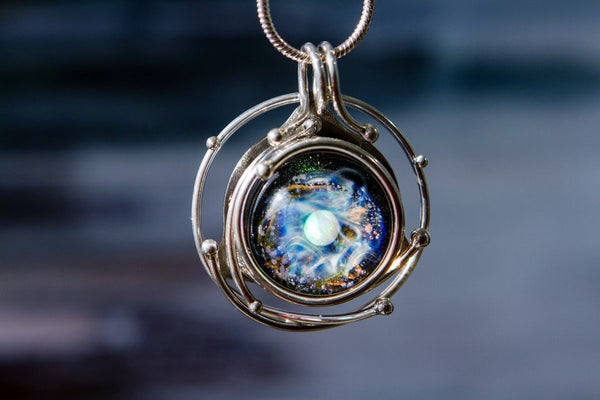 Top Five Unique Necklaces for Cremated Remains