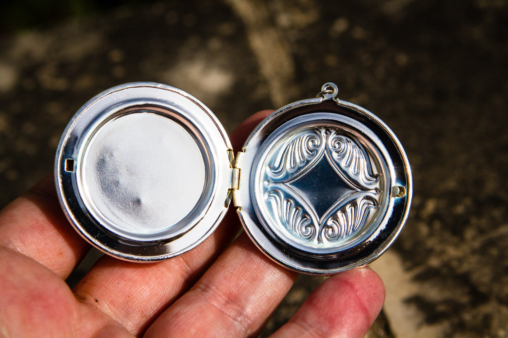 memorial locket with cremains