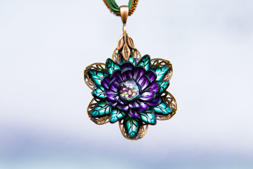 urning ashes into glass jewelry such as a pendant as a memorial to one you've lost