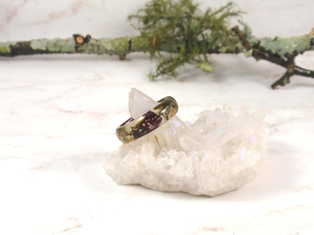 ring with moss and rose