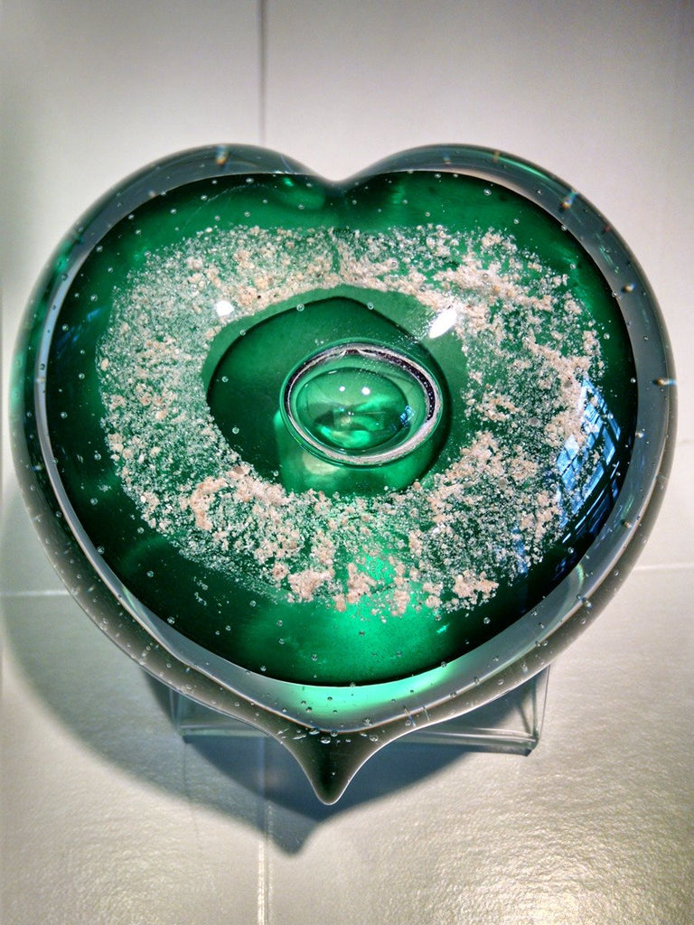 Emerald Memorial Glass Heart with Cremation Ash from People and Pets