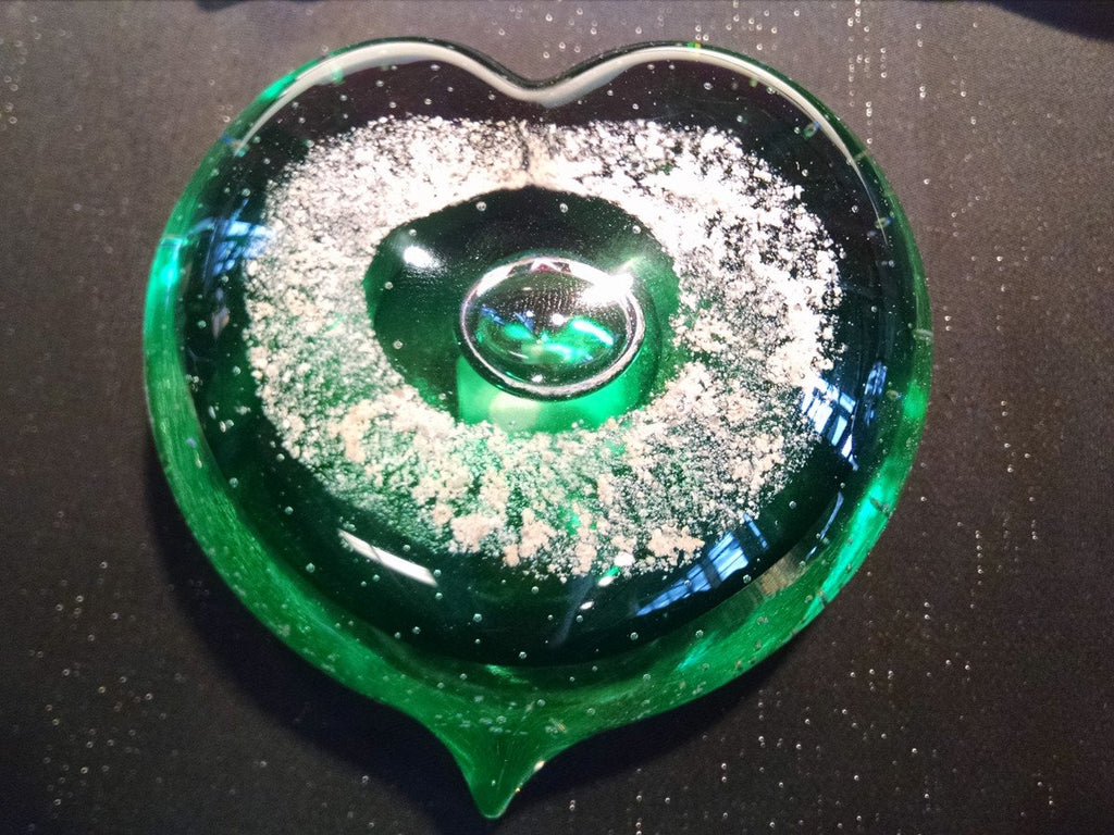 green-memorial-glass-heart-with-cremation-ash-from-people-and-pets