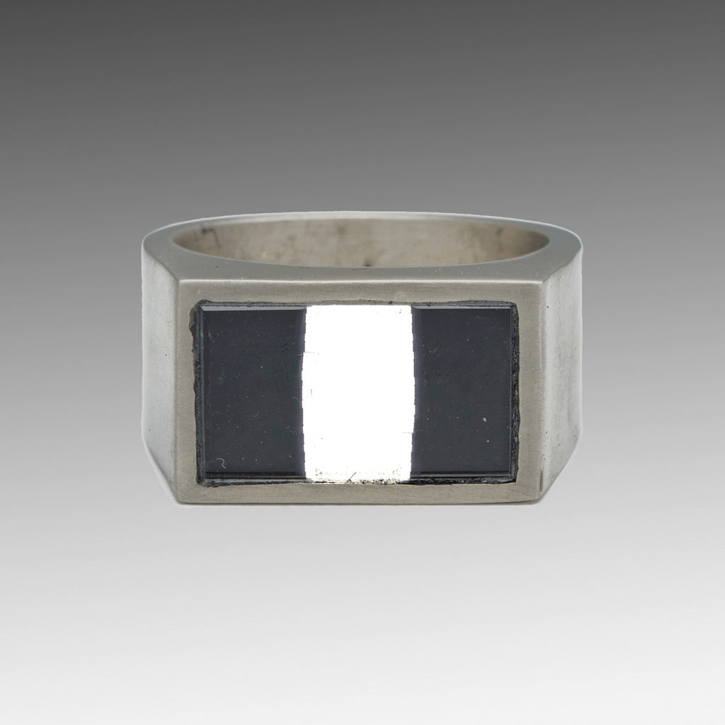 George Frost Tango Flag Reflective Ring - Photo