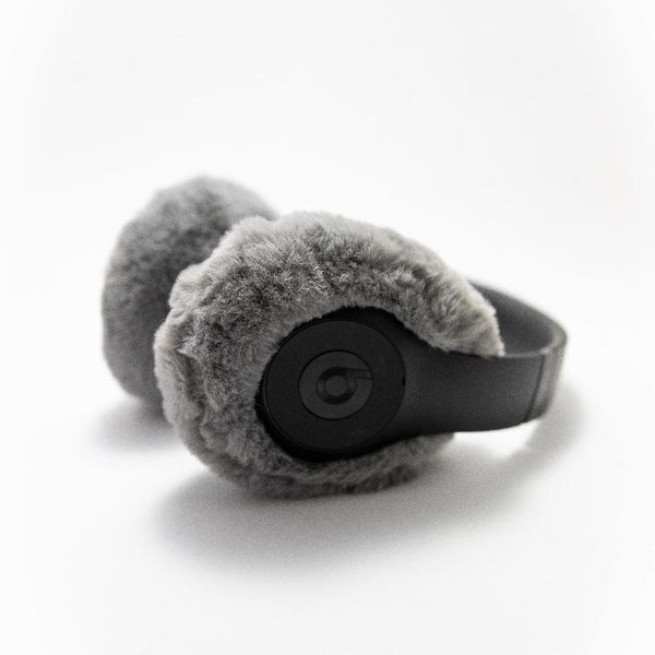 Earmuff Headphones: Bluetooth