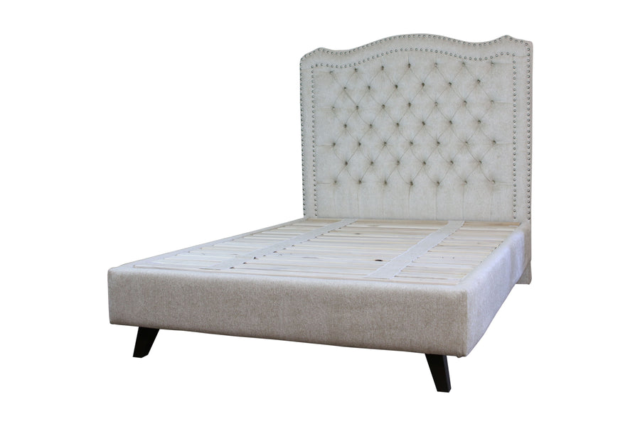 Terra | Bed w/ Nailheads | Latex - STYLNN®