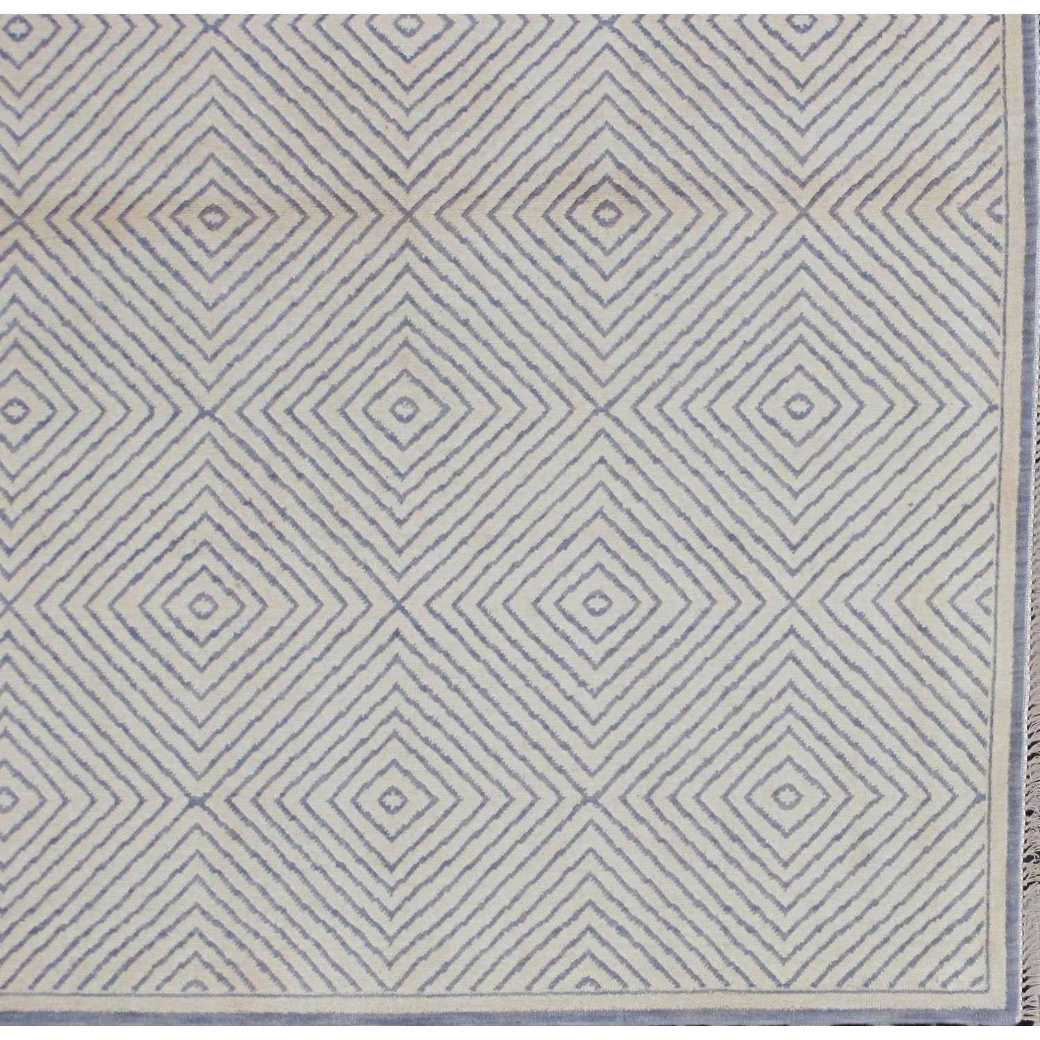 Soumak Design Hand Woven Gay Wool Rug - 6' X 9'
