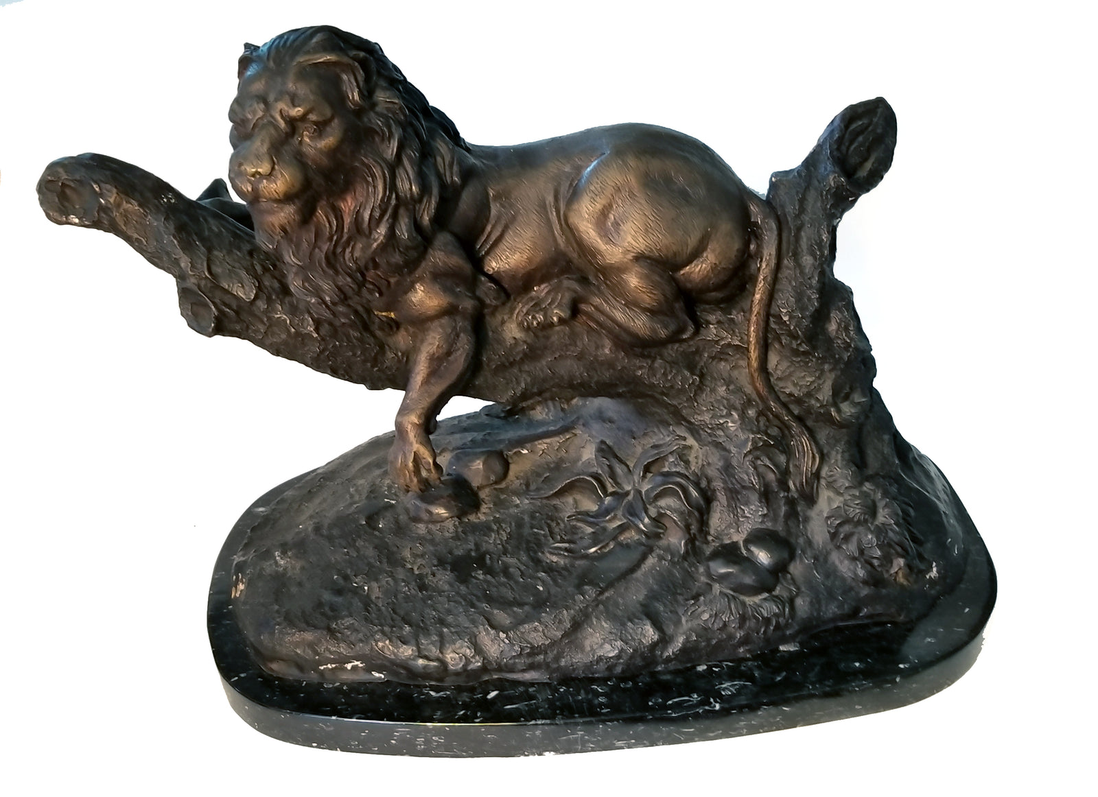 Lion Cast Metal