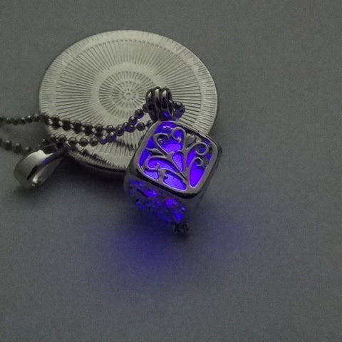 Image of TD Unique Bright color luminous pendant with silver toned Pendant necklace WNE9872