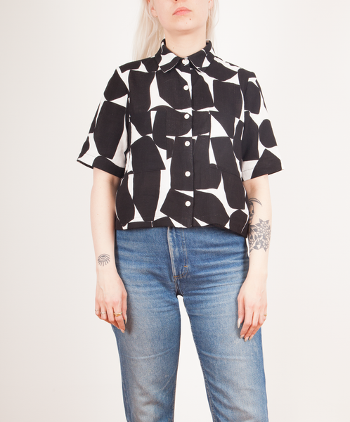 Dusen Dusen-Cropped Collared Tee