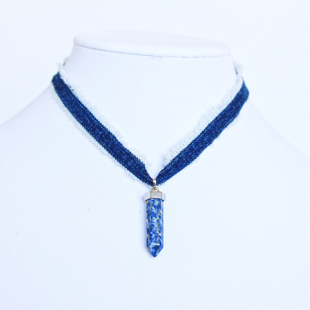sodalite en amberhoeve necklace