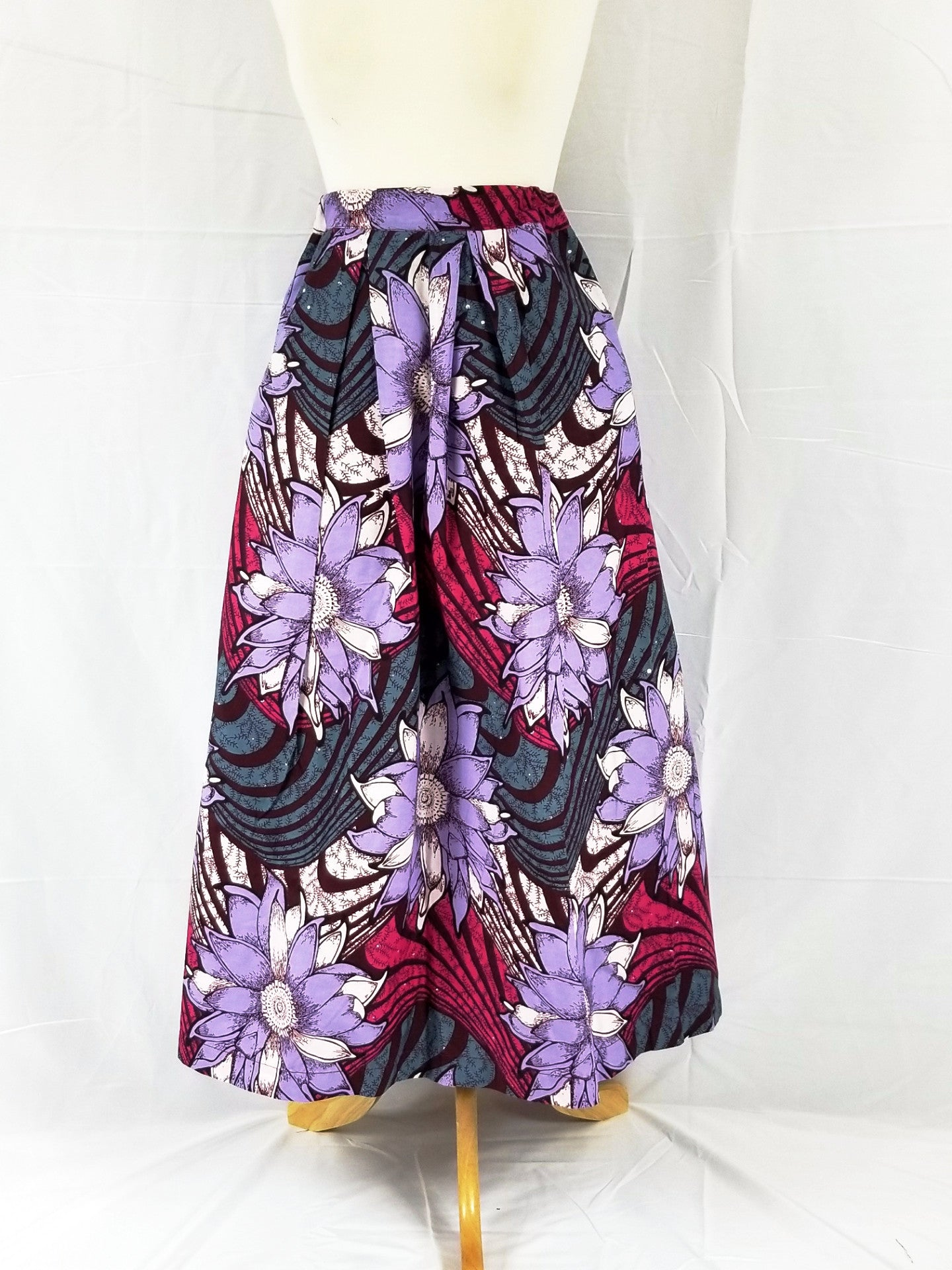 DUPE Ankara tea-length skirt (Purple and lilac flowers)