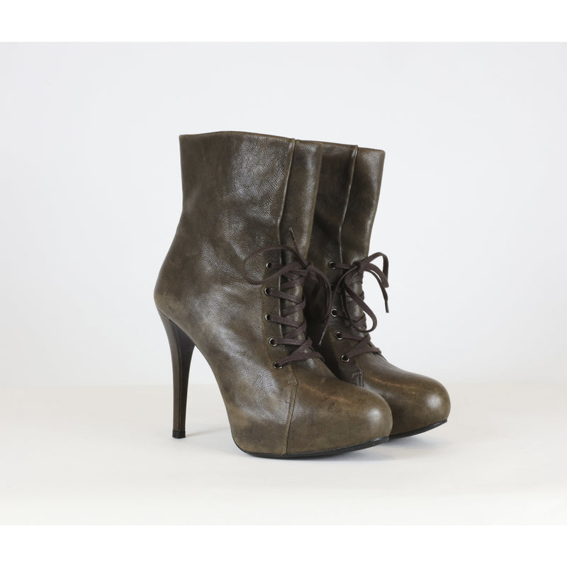 Stuart Weitzman 6 Brown Lace-Up Booties - colletteconsignment.com