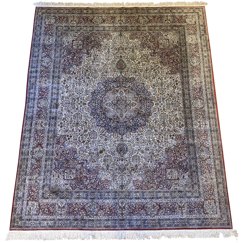 Fine Persian Rug w/ Center Madallion - colletteconsignment.com