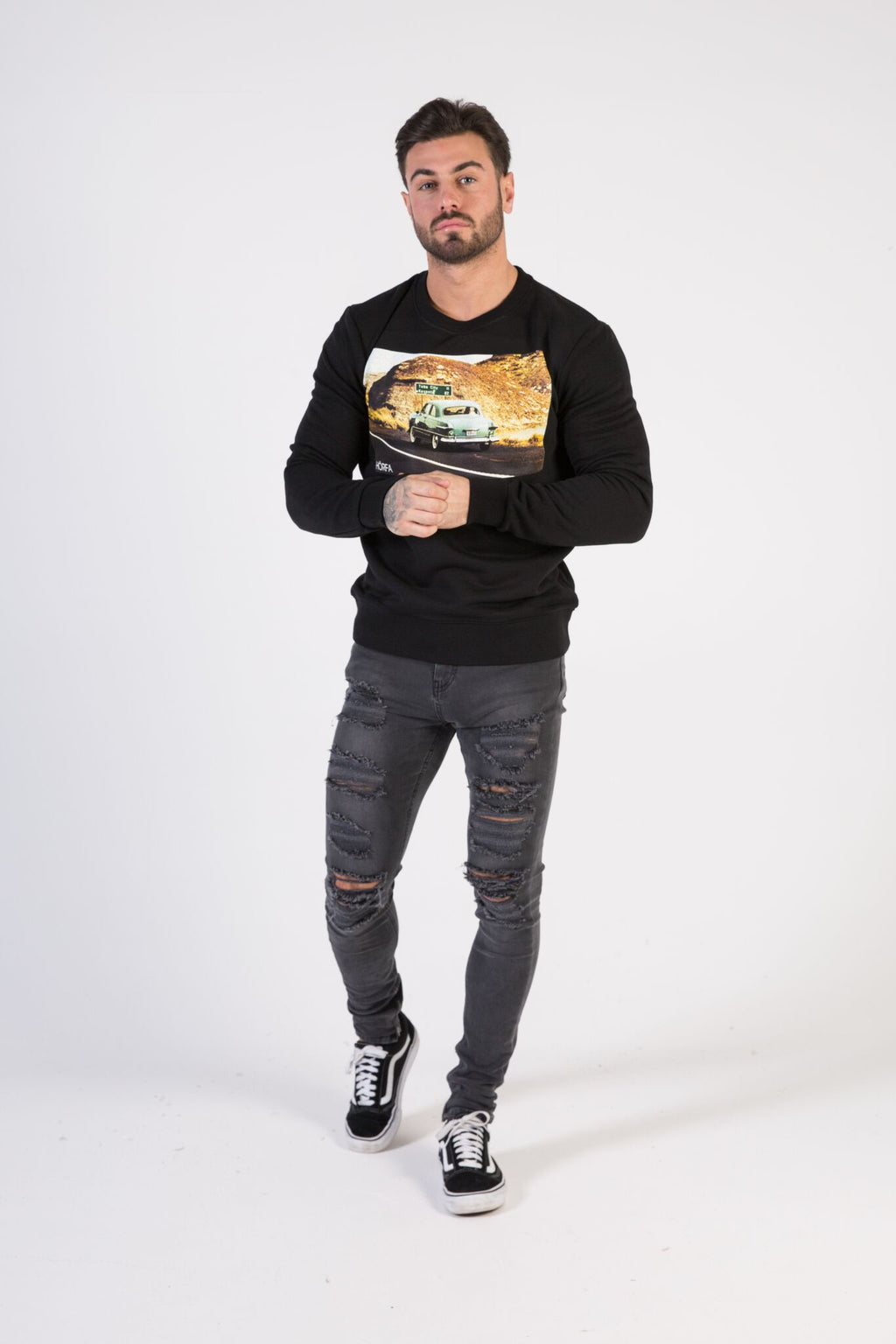 ROADTRIP Sweatshirt - HÖRFA is a men's global fashion brand that provides products such as Fashionable Watches, Wallets, Sunglasses, Belts, Beard and Male Grooming Products