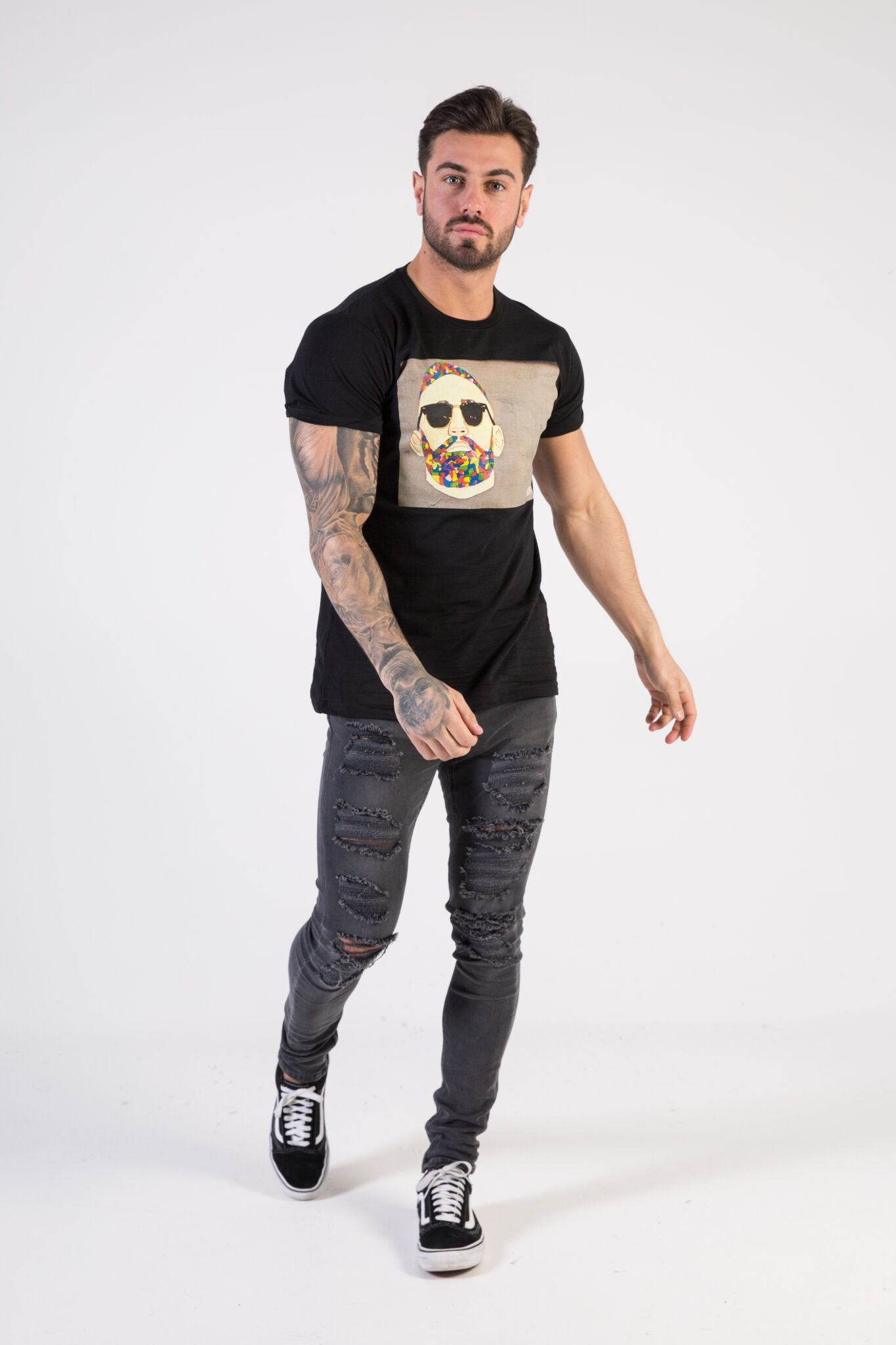 GRAFFITI SUNGLASSES Muscle Fit T-Shirt - HÖRFA is a men's global fashion brand that provides products such as Fashionable Watches, Wallets, Sunglasses, Belts, Beard and Male Grooming Products