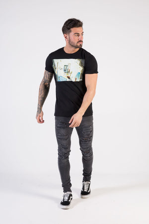 MEMORIES Muscle Fit T-Shirt - HÖRFA is a men's global fashion brand that provides products such as Fashionable Watches, Wallets, Sunglasses, Belts, Beard and Male Grooming Products