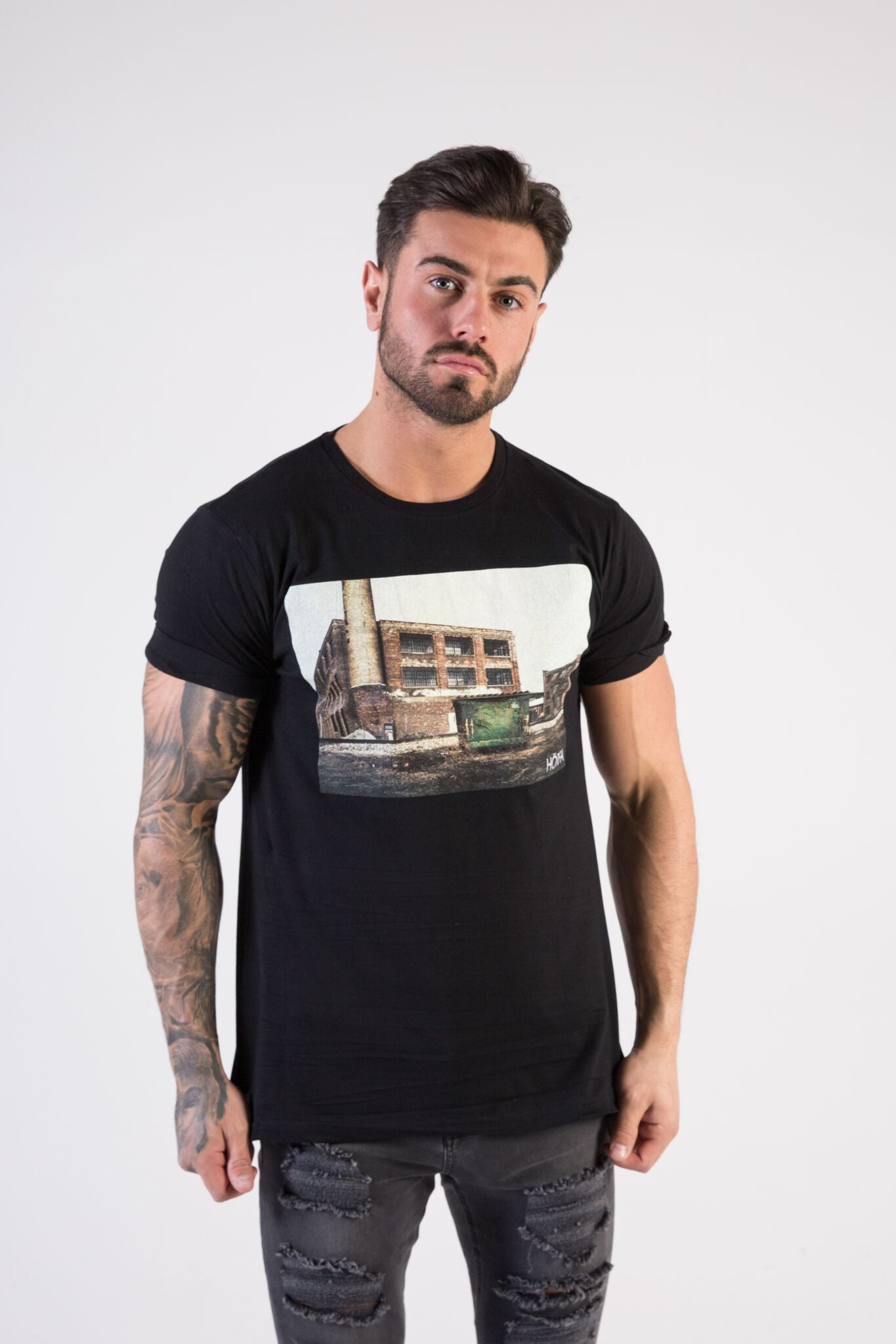 INDUSTRIAL Muscle Fit T-Shirt - HÖRFA is a men's global fashion brand that provides products such as Fashionable Watches, Wallets, Sunglasses, Belts, Beard and Male Grooming Products