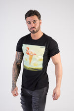 FLAMINGO Muscle Fit T-Shirt - HÖRFA is a men's global fashion brand that provides products such as Fashionable Watches, Wallets, Sunglasses, Belts, Beard and Male Grooming Products