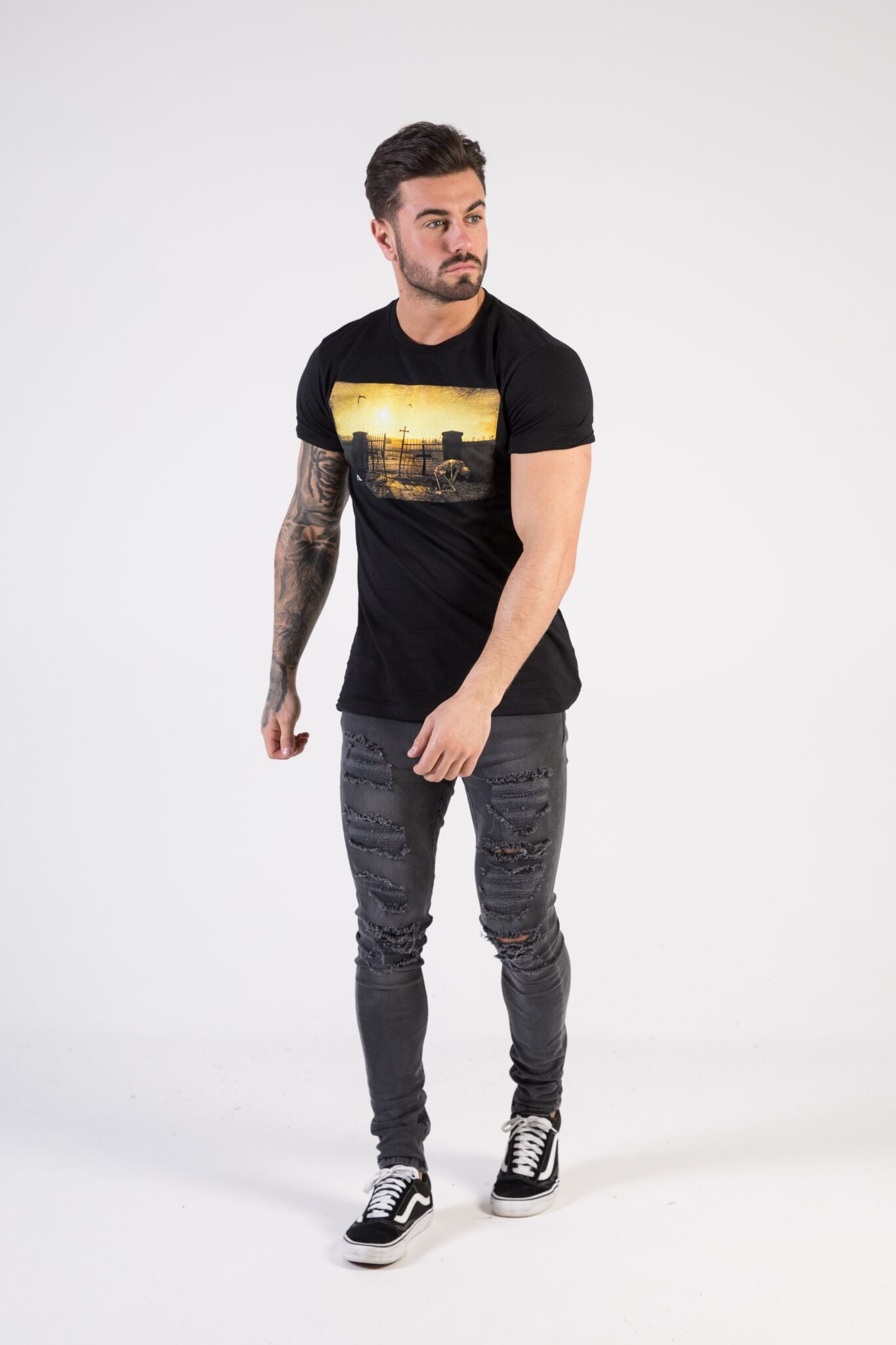DAY OF THE DEAD Muscle Fit T-Shirt - HÖRFA is a men's global fashion brand that provides products such as Fashionable Watches, Wallets, Sunglasses, Belts, Beard and Male Grooming Products