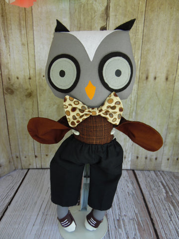Owl, Boy, Gray, Brown Body/Black Shorts