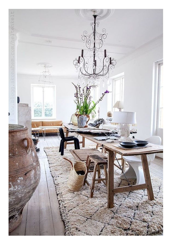 how to choose the perfect rug: do consider provincial elegance, a look with enduring appeal, and a classic vintage moroccan beni ourain with small diamond pattern to hide the dirt and stains