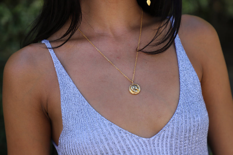 gold roman pendant necklace