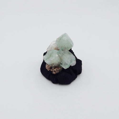 Apophyllite with Stilbite  *  鱼眼石; 辉沸石