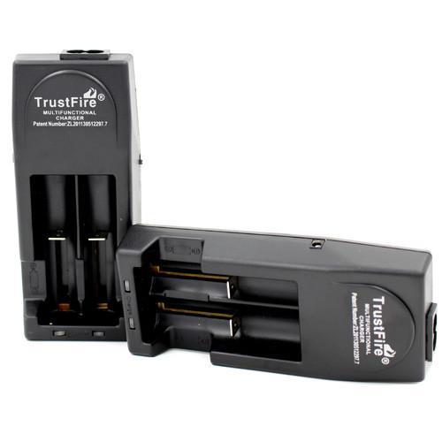 Trustfire TR-001 Li-Ion Charger