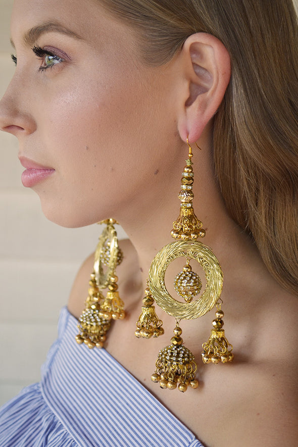 Vogue Gold Shoulder Grazing Earrings