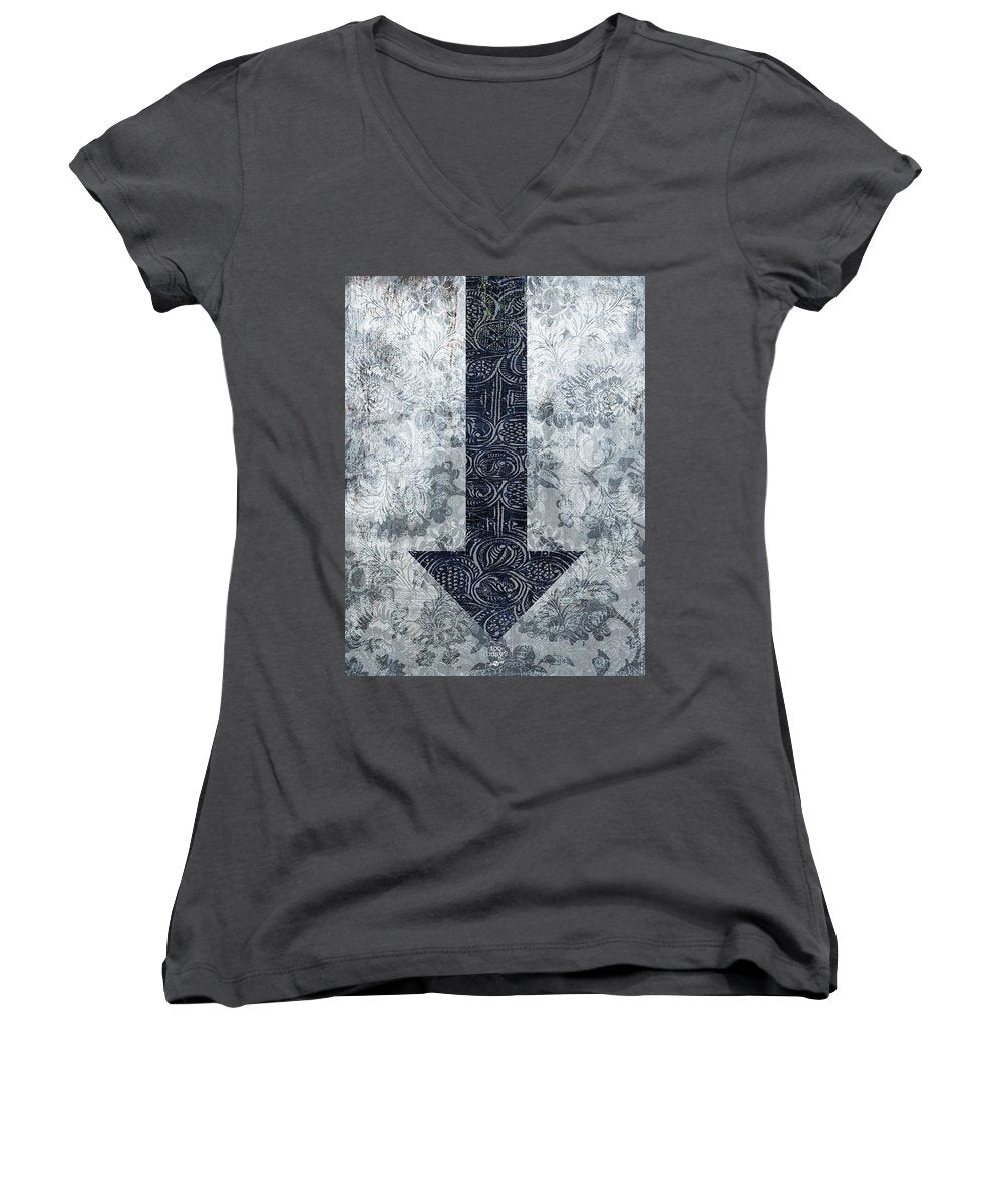 Closely 3 - Women's V-Neck (Athletic Fit)