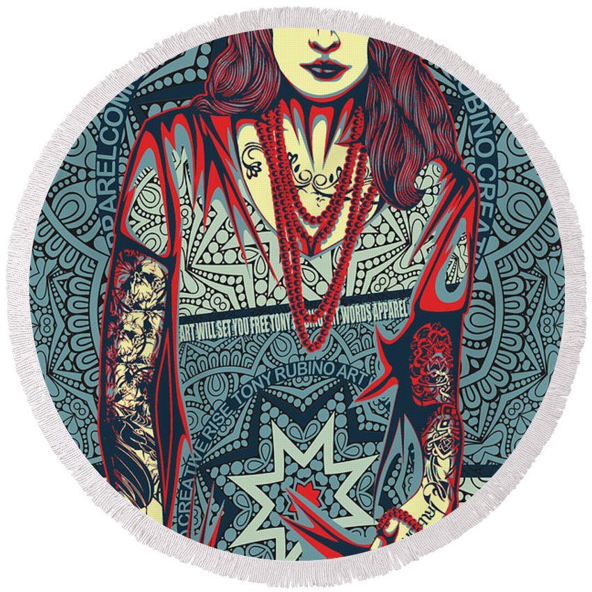 Rubino Red Lady - Round Beach Towel
