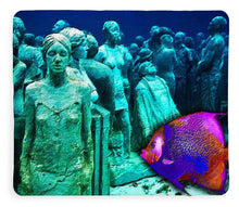 Sculpture Underwater With Bright Fish Painting Musa - Blanket