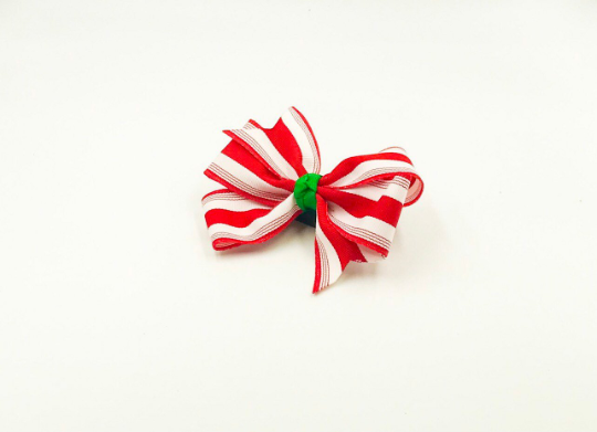 Peppermint Hair Bow I The Enchanted Magnolia