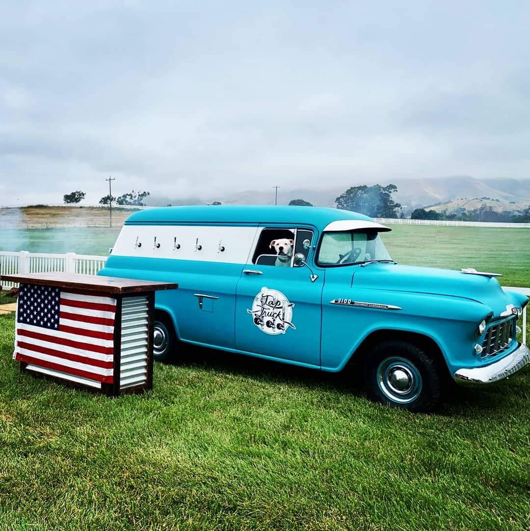 Servicing Pebble Beach, Carmel, Big Sur, Santa Cruz and Laguna Seca, this truck has 5 beer taps the area can enjoy. Proud to offer beers from local Bayside breweries.