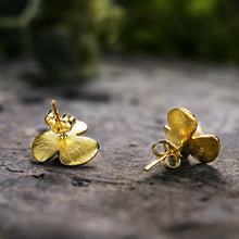 Load image into Gallery viewer, Handmade Sterling Silver Clover Flower Stud Earrings - Pearls - Tafani's
