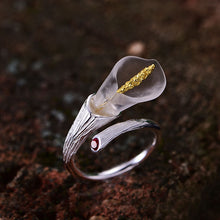 Load image into Gallery viewer, Handmade Sterling Silver Calla Lily Ring - Natural Garnet - Tafani's