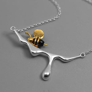 Sterling Silver Honey and Bee Necklace - Agate - Tafani's