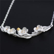 Load image into Gallery viewer, Silver Flower Necklace - Handmade - Tafani's
