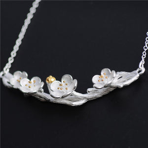 Silver Flower Necklace - Handmade - Tafani's