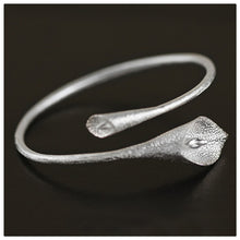 Load image into Gallery viewer, Sterling Silver Calla Lily Flower Bracelet - Handmade - Tafani's