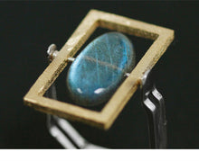 Load image into Gallery viewer, Handmade Sterling Silver Ring - Natural Labradorite - Tafani's