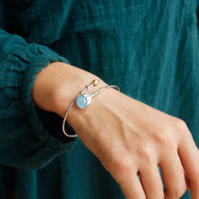 Load image into Gallery viewer, Handmade Sterling Silver Flower Bracelet - Natural Aquamarine - Tafani's