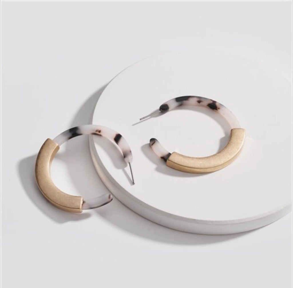 Sirun Tortoiseshell Hoop Earrings